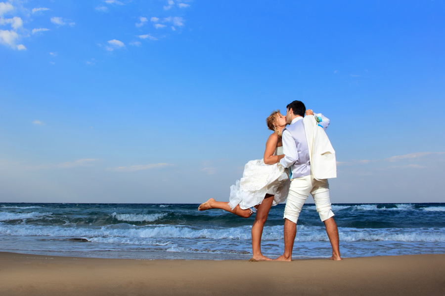 St Augustine Beach Wedding Kissing